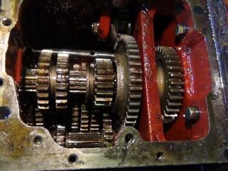 Регулировка и ремонт коробки передач трактора МТЗ 1221