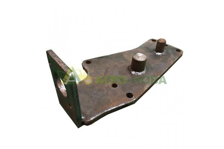 Кронштейн насос-дозатора ЮМЗ - 45-3400030 В-03 - фото 1